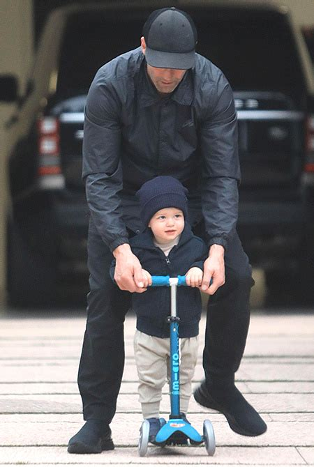 Fast and the Furious: Jason Statham teaches his son to