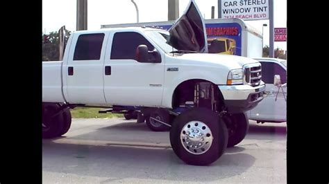 Ford F-550 Super Lift with Airbags, lambo doors and custom