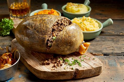 Address to a Haggis by Robert Burns: The traditional Burns