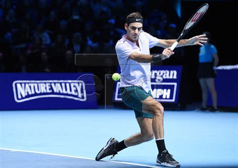 Federer Wins Again In London, But Not Thinking About No