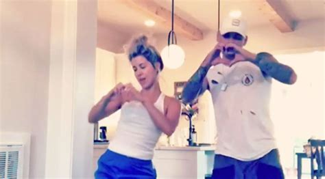 Kane Brown & Wife Break The Internet With Sexy Dance Moves