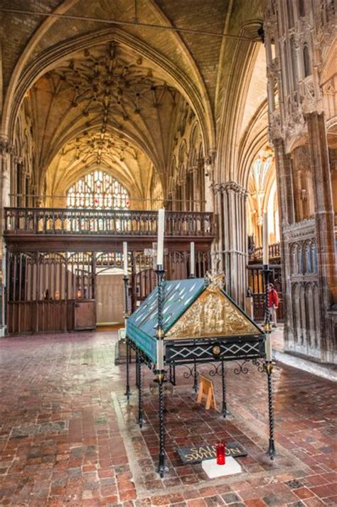 Winchester Cathedral   Historic Winchester Guide