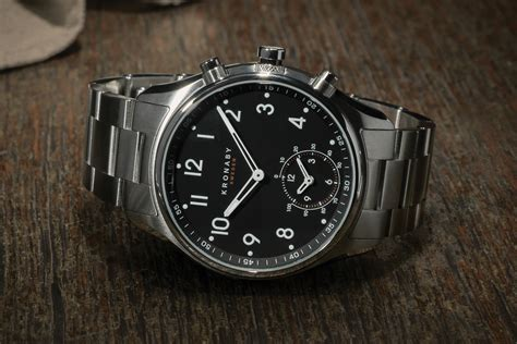 Swedish hybrid smartwatch says no to charging, yes to