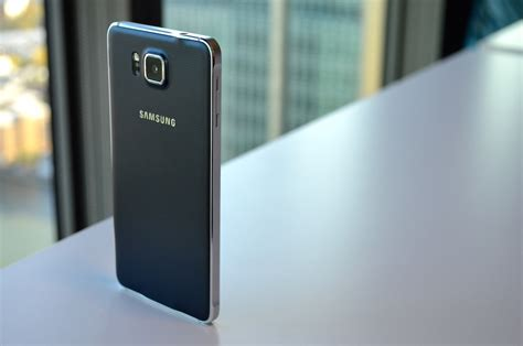 Samsung Galaxy Alpha Review: A Stylish Smartphone Not