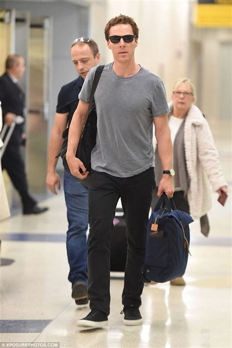 Benedict Cumberbatch lands in New York with pregnant wife